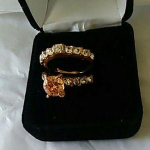 Gorgeous wedding set ring size 9